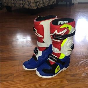 SOLD Alpinestars youth riding boots